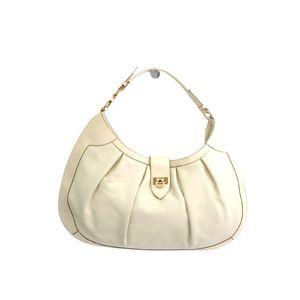 Ferragamo Shoulder Bag Gancini Calfskin Ivory AU-21/D231