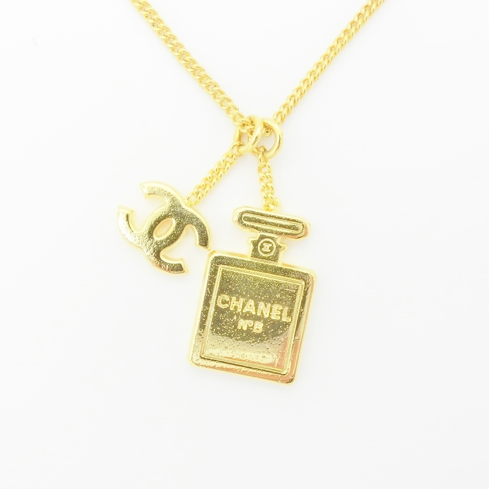 Chanel Alloy Women's Casual Pendant Necklace (Gold)