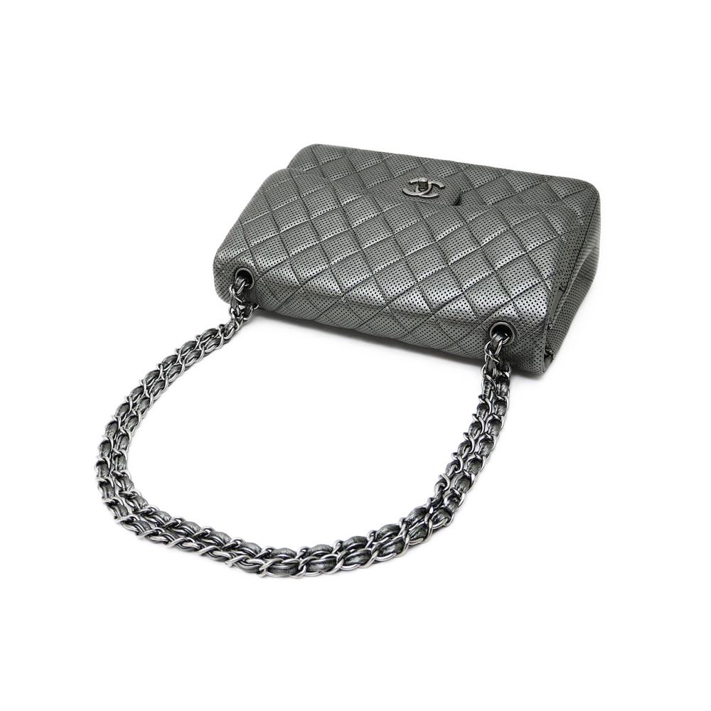 シャネル(Chanel) シャネル バッグ ショルダーバッグ/マトラッセ30 Wフラップ チェーンショルダーバッグ A58600 シルバー / メッシュ  【中古】