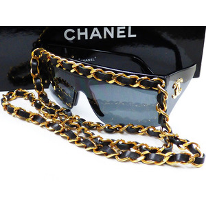 Chanel Sunglasses Black,Gold