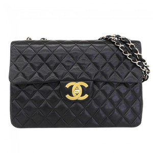 Chanel Matelasse Leather Shoulder Bag Black