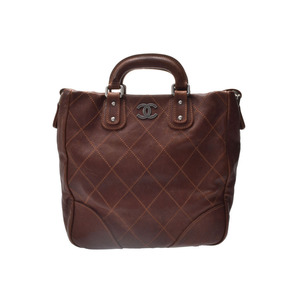 シャネル(Chanel) 中古 シャネル マトラッセ 2WAYハンドバッグ キャビアスキン 茶 ストラップ付 CHANEL