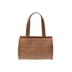 シャネル(Chanel) 中古 シャネル チョコバー 筒型ハンドバッグ ラムスキン ベージュ G金具 ギャラ CHANEL