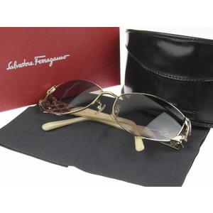 Salvatore Ferragamo フェラガモ スクエアフレーム サングラス アイウェア 金 ゴールド 白系 アイボリー 1183 60□16