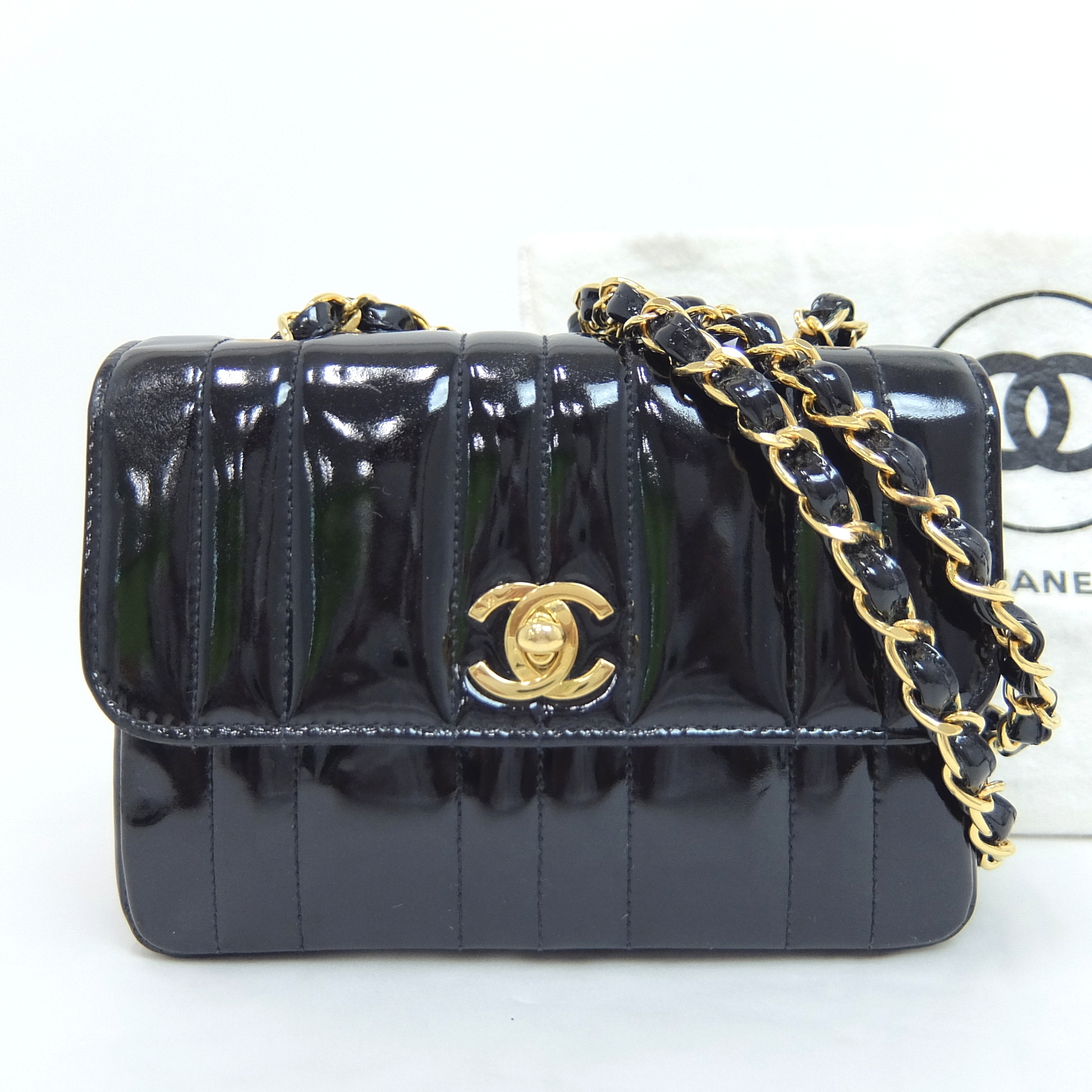 eb450254baa1 Auth Chanel Enamel Quilted Mini Chain Shoulder Women's Patent Leather  Shoulder B
